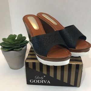 277e47dd356 Lady Godiva Black Wedge High Heel Sandals size 8
